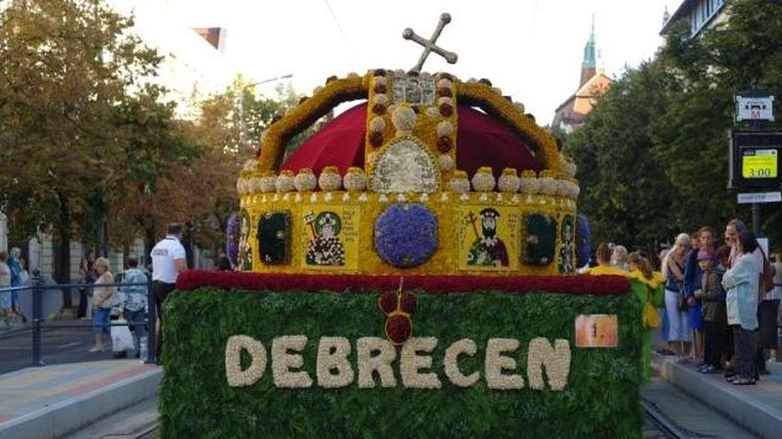 A Debreceni Virágkarnevál egy virágkötő szemével